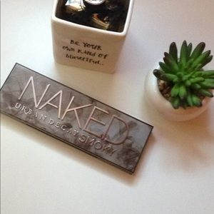 Urban Decay Naked Smokey Pallet